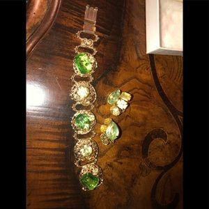 Jewelry - Vintage bracelet and earrings. Green & gold tone